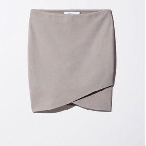 Aritzia Talula Primrose Skirt in Dove Gray 🕊